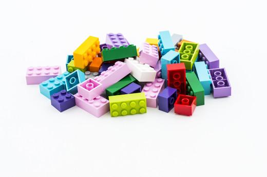 Quelle: http://www.legonewsroom.de/pressemitteilungen/lego-gruppe-investiert-eine-milliarde-daenische-kronen-zur-foerderung-der-suche-nach-nachhaltigen-materialien/